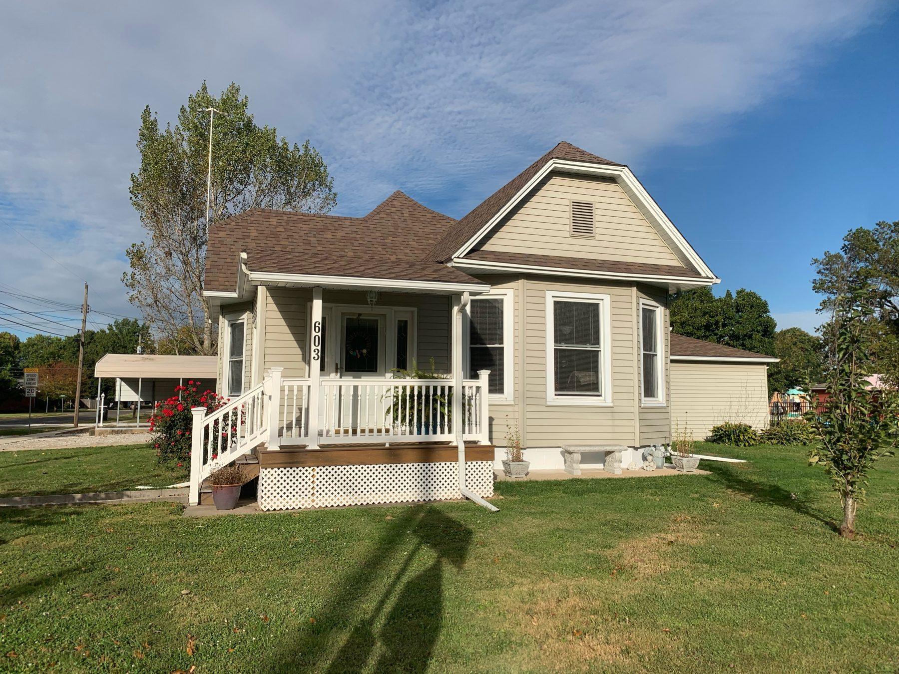 603 N Edwardsville Staunton